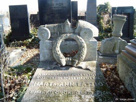 Hartmann's grave in Rákoskeresztúr Cemetery